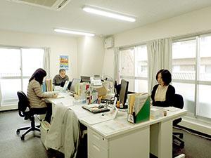 福山分室事務所内、唯一の「島」