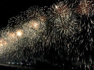 この川で中四国最大級の花火大会も開催されます。