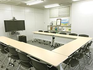 大阪支社名物!?とても広い会議室です。